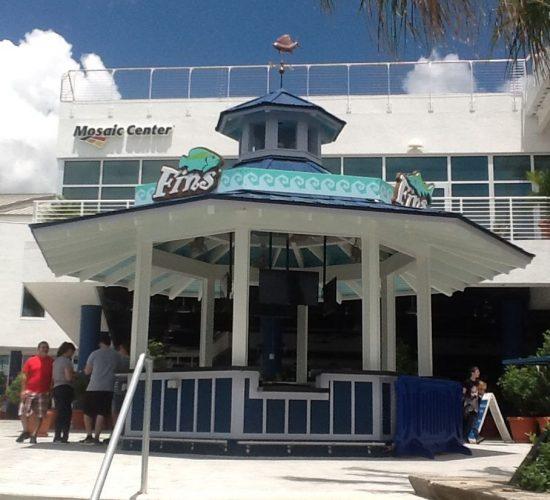 Theme Parks and Themed Environments - Florida Aquarium Tiki Bar 4